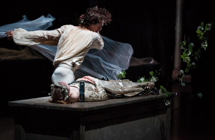 Hamburg Ballet, Romeoe  Giulietta, Jacopo Bellussi, Emilie Mazon