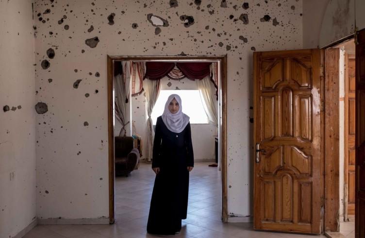 Gaza, Shejaeia, Lobna Al Harazeen, 16 years old, student
