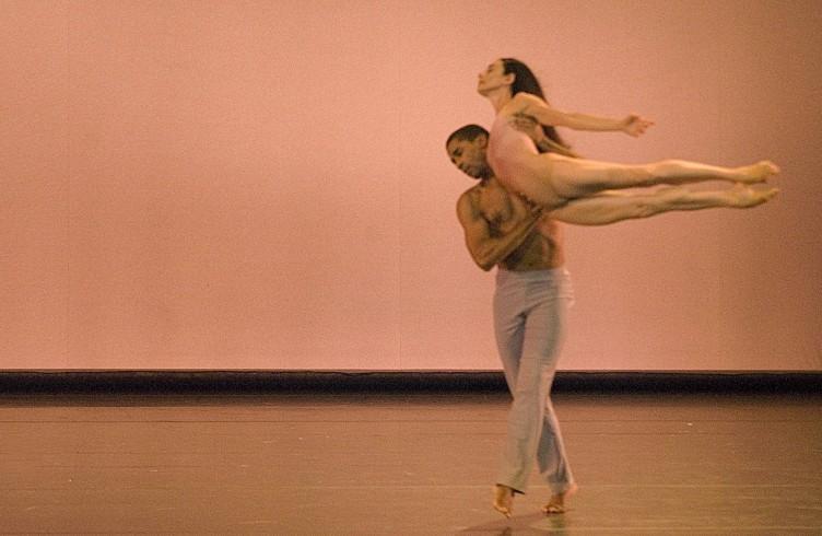 After the Rain di C.Wheeldon con Craig Hall, Bolzano Danza foto Piero Tauro