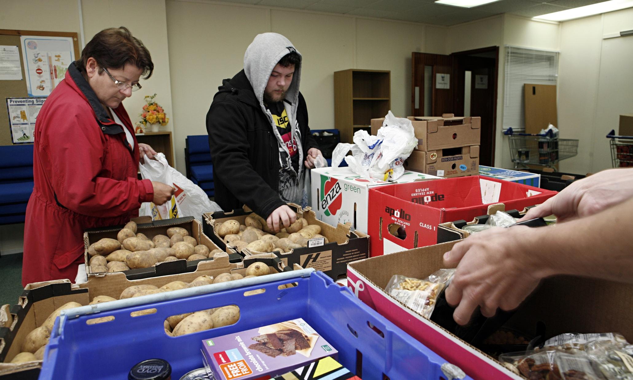 Una food bank di Hull -Uk- ( foto The Guardian)